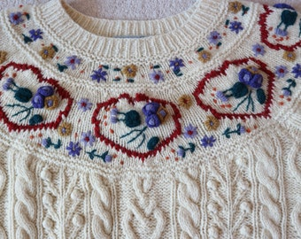 Hand knit shetland cream wool embroidered sweater L beautiful