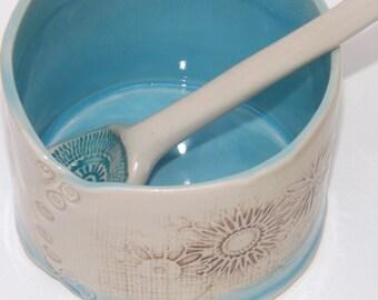 Ceramic Sugar Bowl with spoon
