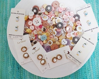 Buttons Lot Assortment 212 Pieces Pastel White Metallic Spring Mix Vintage and Newer