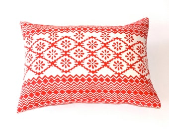 Hand blocked pillow cover