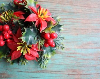 Poinsettia Vintage Holiday Candle Holder, Vintage Christmas Decoration, Vintage Holiday, Holly Christmas Decor, Plastic Candle Holder