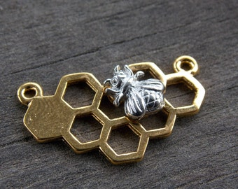 8 Gold Honeycomb Connectors with Silver Bee 25mm