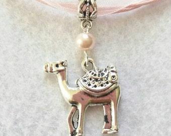 10 Camel Necklaces Party Favors