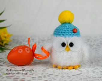 Owl in hat with easter egg, crocheted