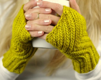 Crochet Pattern  - Everyday Fingerless gloves  - Knit look crochet - 8 sizes - Baby toddler child adult - Instant Download - Unisex kc550