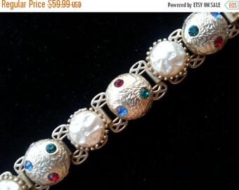 Stunning Rhinestone Bracelet 1950's Hollywood Regency Mad Men Mod 60's Style Retro Collectible Chunky Statement Jewelry