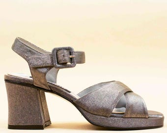 90s does 70s Vtg NOS Silver METALLIC Strappy Platform Chunky Heel Sandals / Deadstock Mary Jane GLAM Grunge 6 6.5 Eu 36 37