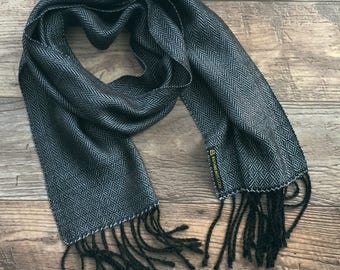 Fathers day gift, grey scarf, men scarf, gift for him, woven scarf, gift for her, luxury scarf, silver scarf, long scarf with fringe