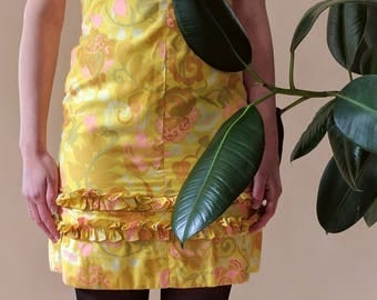 Cute 1960s Summer Beach Party Ruffle Mini Dress Yellows Pinks XS