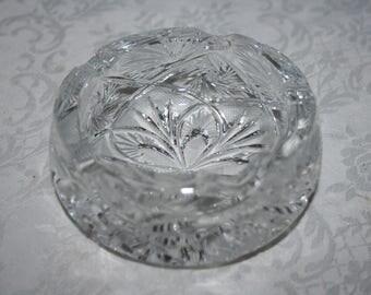 Vintage Beautiful Stunning Hand Cut Crystal Ash Tray