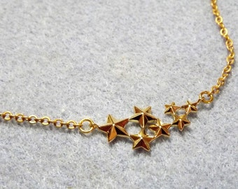 Star Charm Necklace.  Gold Plate. (Style NP43)