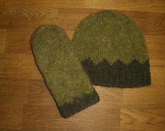 Icelandic set of hat and mittens in green and dark green size medium ready to ship