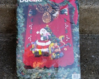 vintage bucilla Christmas applique table runner santa and tree 1994 new old stock gift idea