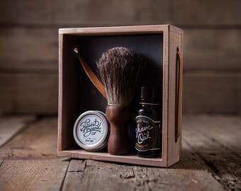 PRE-SHAVING KIT: Premium Badger Shave Brush – Prep the face prior to any beard groom or wet shave, solid walnut wood