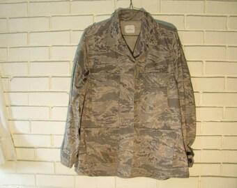 Vtg Digital print Ladies camo shirt/jac size 12R