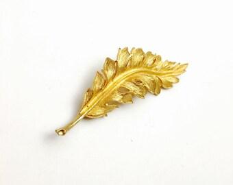 Art Deco Leaf  Brooch, Gold tone, Vintage Pin, pre-holiday S A L E, Item No. B036