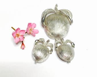 Vintage Sarah Cov. Apple/Fruit lover bROOCH/Earrings set, Silver Tone, Signed, Clearance S A L E,  Item No. B221