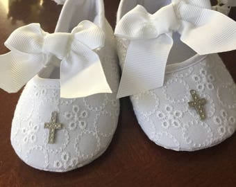 Christening Baptism Baby girl shoes White Blessing or Christening Shoes, baptism baby girl booties, baptism shoes, lace shoes NARELO