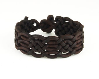 Special braided leather bracelet with toggle closure (SZA09)