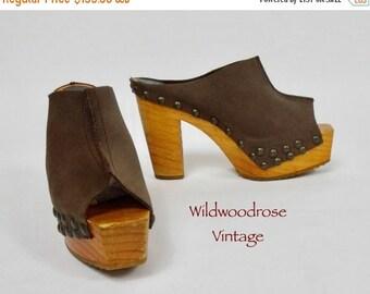 HOLIDAY SALE Vintage 1970's Wooden Platform Slides - Brown Suede Tall Wood Sole Platforms - 70's Boho Clogs - Hippie Summer Shoes - 5 Inch H