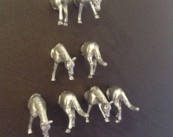 4 horse magnets  place card ,photo, menu holders