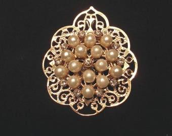 Golden Pearls Pin