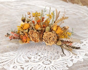 Native Flower Comb, Australian Head Piece, Bridal Dried Flower Comb, Rustic Floral Hair Accessory, Gold Roses and Autumn Leaves, Hair Piece