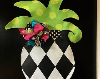 Summer Door Hanger, Black and White Checkered Pineapple with Ribbon and Bright Green Leaves Door Hanger Wreath, Pineapple Wreath Door Hanger