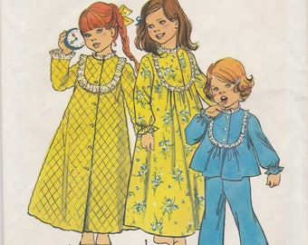 Little Girls Pajamas,  Nightgown & Robe Pattern Simplicity 6687 Size 2 Uncut