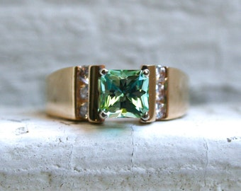 Heavy Retro Vintage 14K Yellow Gold Green Tourmaline and Diamond Ring - 1.80ct.