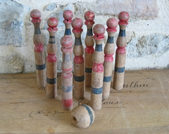 French skittles - old wooden set of ball and 9 skittles - vintage jeu de quilles