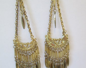 Vintage gold toned metal  dangling chains pierced earrings used no markings