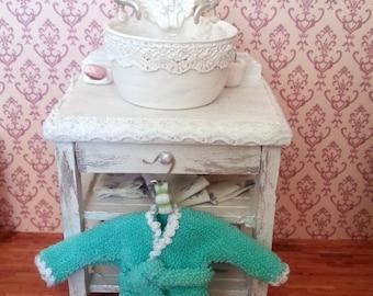 miniature robe, bathrobe, dollhouse decoration
