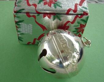 Vintage Wallace Silversmith 1984 Sleigh Bell Christmas Bell Ornament In Original Red Christmas Box