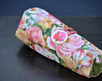 Roses Pen Roll