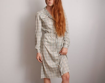 80s medium small plaid polyester womens long sleeve belted button down work dress vintage clothing grey blue professional work outfit