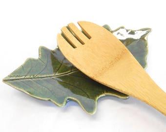 Pottery Leaf Dish Ceramic Leaf Spoon Rest Leaf Ring Dish Leaf Trinket Dish Ceramic Oak Leaf Soap Dish Pottery Spoon Rest Leaf Dish in Green