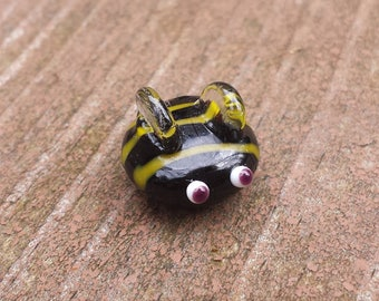 Lampwork Glass Hornet Magnet. Perfect for your white board!! Garden Theme