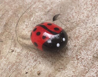 Lampwork Glass Lady Bug Magnet. Perfect for your white board!! Garden Theme
