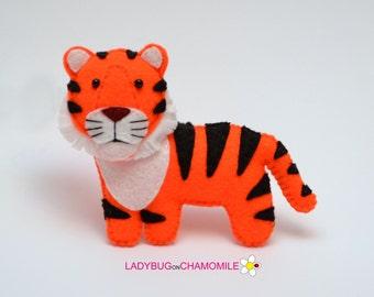 Felt TIGER, stuffed felt Tiger magnet or ornament, cute Tiger, Tiger toy, felt animal, home decor, Tiger gift, forest animal, Nursery decor