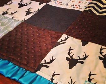 Deer Buck Grey Arrow Chevron Blanket