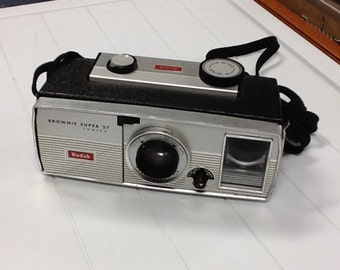Vintage Kodak (brownie super 27) Camera.
