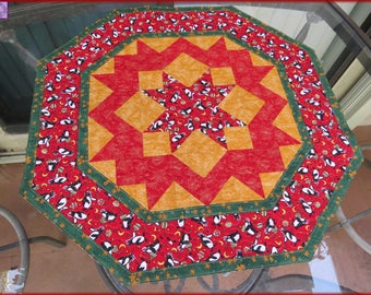 Quilted Table Topper Quilt Penguin Christmas 230