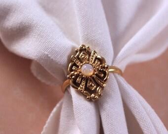 Avon Renaissance Faux Opal Gold Tone Ring - Vintage 1982