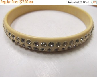 On Sale Vintage Plastic Rhinestone Bracelet Item K # 1810