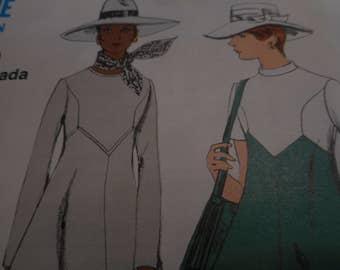 Vintage 1970's Vogue 7915 Mod Dress Sewing Pattern, Size 10 Bust 32 1/2