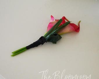 Hot pink corsage / Calla lily corsage / Tropical corsage / Wedding corsage / Prom corsage / Corsage / Lapel corsage / Mother of the bride