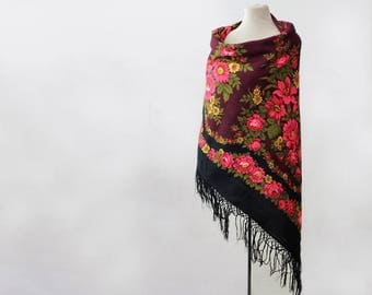 maroon Russian shawl with green and pink, oversized shawl, fringed shawl, vine large floral shawl with lilies, bordeaux Pavlovo Posad shawl