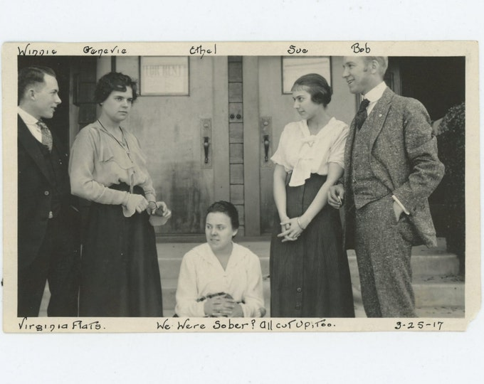 "Vintage Snapshot Photo: ""We Were Sober? All Cut Up, Too"" Winnie, Genevie, Ethel, Sue, Bob; Virginia Flats, 1917 (71543)"