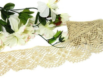 107 Inches of Old Ecru Crochet Lace Trim